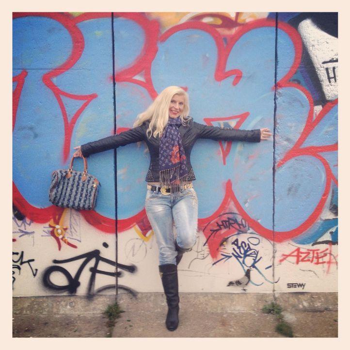Ines ist Vollblut-Blondine - Bildquelle: Christian Jasper / sixx