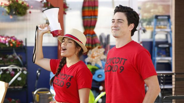 Superstore - Superstore - Staffel 2 Episode 1: Streik