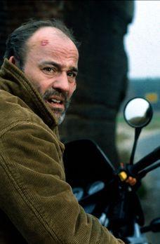 Der dreckige Tod - Der LKW-Fahrer Oskar Kunze (Heiner Lauterbach) hat nach de...
