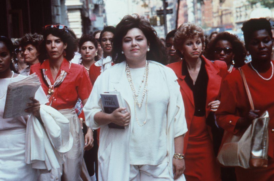 Nachdem ihr Mann sie verlassen hat, gibt sich Ruth (Roseanne Barr, M.) ihren fürchterlichen Racheplänen hin ... - Bildquelle: 20th Century Fox