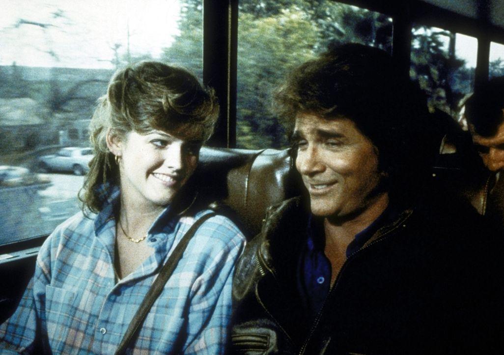 Jonathan (Michael Landon, r.) und sein Schützling Alice (Lorie Griffin, l.), die auf der Suche nach einer Unterkunft ist. - Bildquelle: Worldvision Enterprises, Inc.