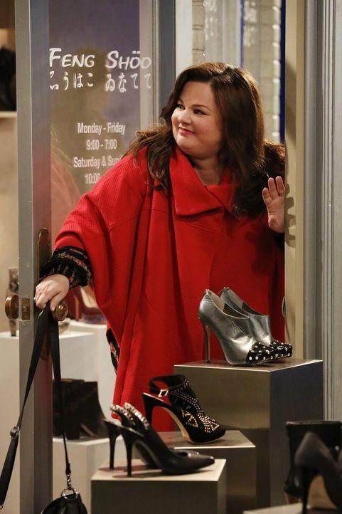 Molly (Melissa McCarthy) ist im Shoppingwahn, doch um die häusliche Harmonie wiederherzustellen, muss sie einen Weg finden, ihren Konsum einzuschrän... - Bildquelle: Warner Brothers