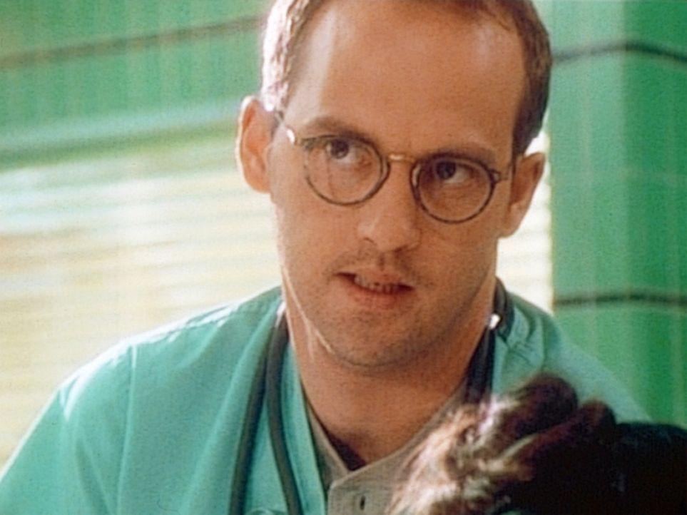 Dr. Greene (Anthony Edwards) steht vor einer schweren Entscheidung ... - Bildquelle: TM+  WARNER BROS.