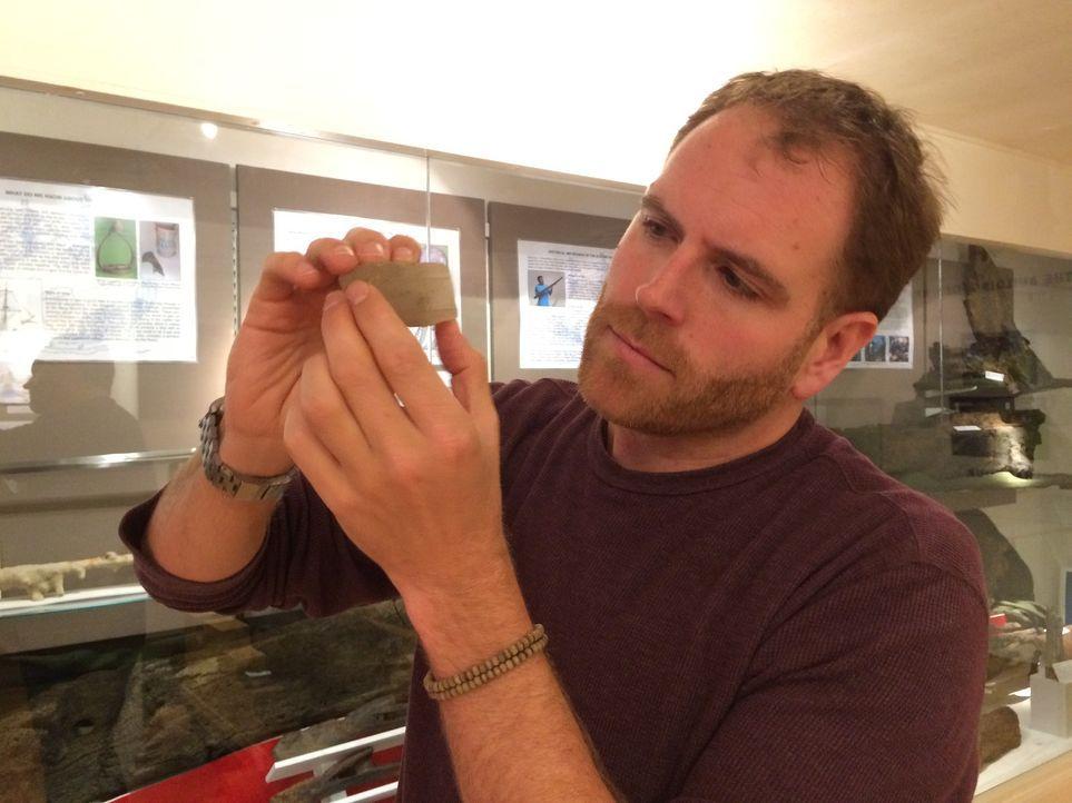 In Norwegen und Großbritannien will Josh das Rätsel um den Sonnenstein der Wikinger lösen. Der Kristall soll den nordischen Seemännern geholfen habe... - Bildquelle: 2015, The Travel Channel, L.L.C. All Rights Reserved.