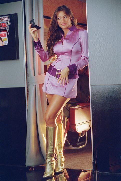 Die heiße Stewardess Blanca (Sofia Vergara) weiß, mit ihren Reizen umzugehen ...