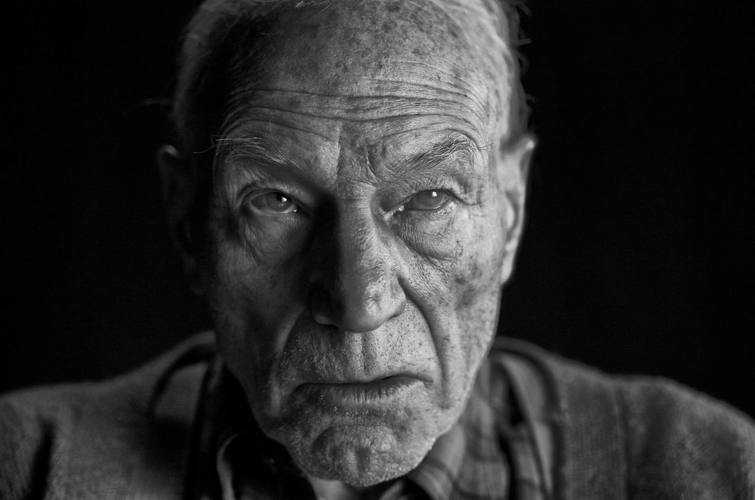 Charles (Patrick Stewart) - Bildquelle: 2017 Marvel. TM and   2017 Twentieth Century Fox Film Corporation. All rights reserved. Not for sale or duplication.