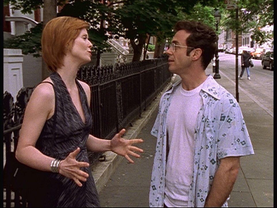 Steve (David Eigenberg, r.) hat mit Mirandas (Cynthia Nixon, l.) Beistand seine Hodenkrebs-Operation gut überstanden, findet aber, dass ihm etwas fe... - Bildquelle: Paramount Pictures