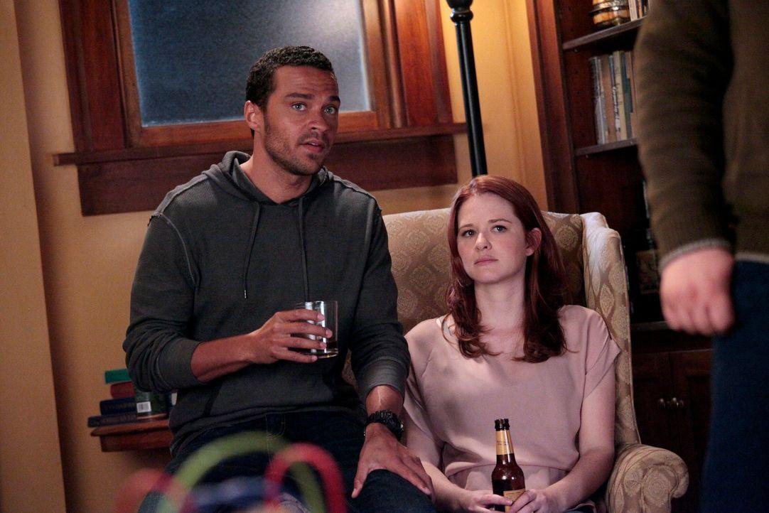 Wie wird es mit Jackson (Jesse Williams, l.) und April (Sarah Drew, r.) weitergehen? - Bildquelle: Touchstone Television