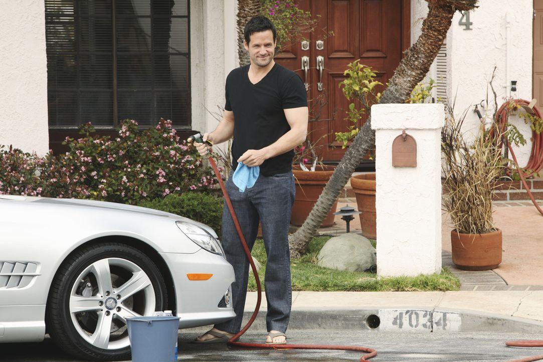 Wird er sich zu Jules bekennen? Grayson (Josh Hopkins) - Bildquelle: 2009 ABC INC.