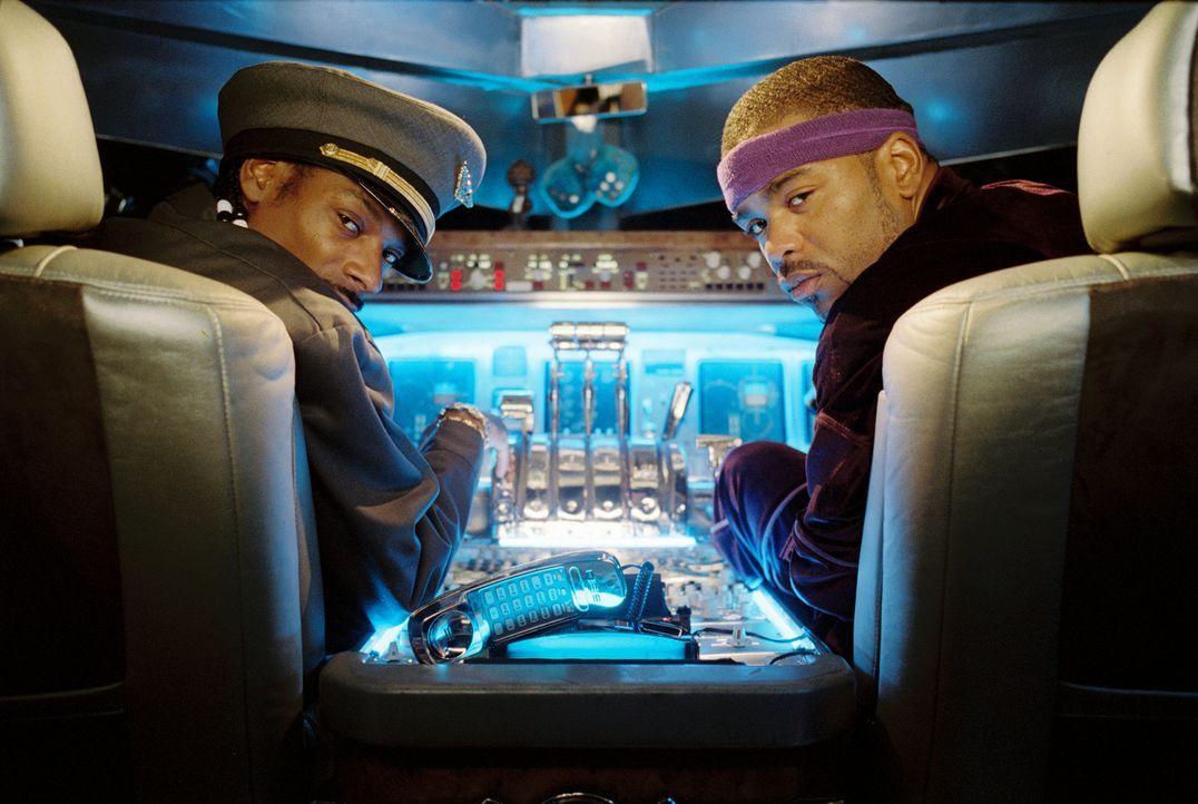Die Reise kann beginnen: Muggsy (Method Man, r.) und Mack (Snoop Dogg, l.) haben das Cockpit fest im Griff - glauben sie zumindest ...
