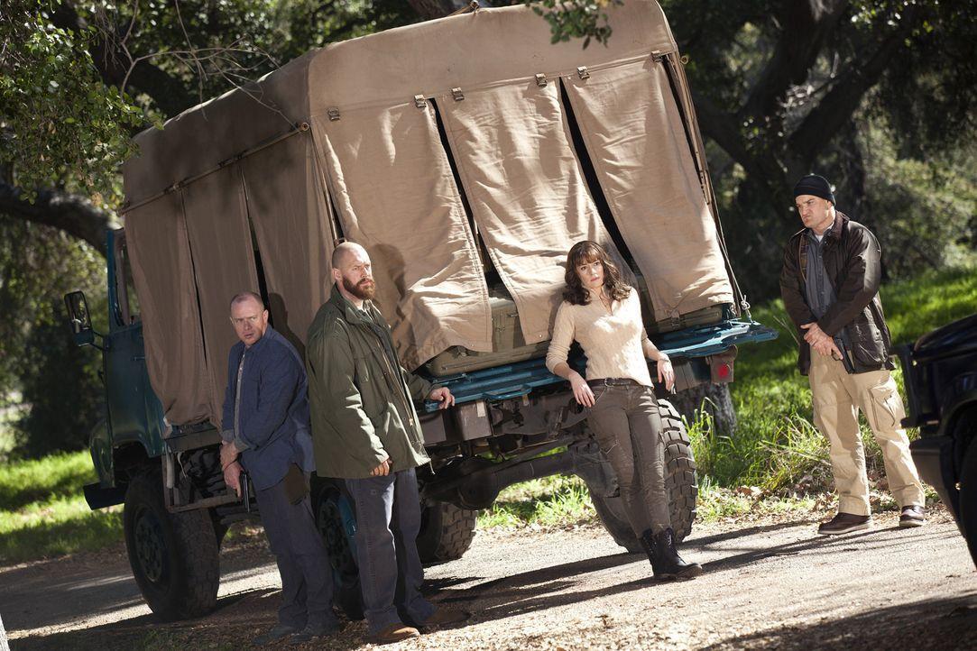 Ein Blick zurück in Prentiss aka Lauren Reynolds (Paget Brewster, 2.v.r.) Leben ... - Bildquelle: ABC Studios