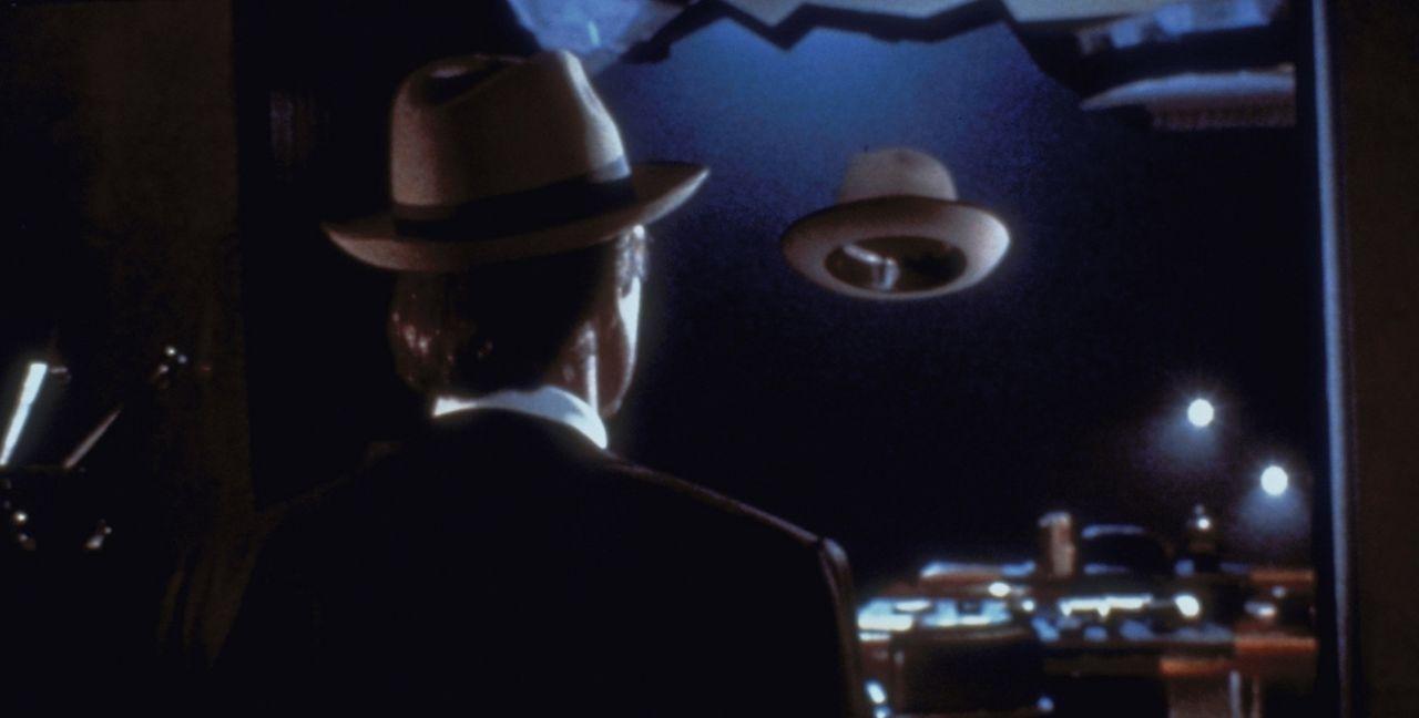 Unsichtbare leben länger - insbesonders, wenn sie auf der Flucht vor dem CIA sind ... - Bildquelle: Warner Bros.