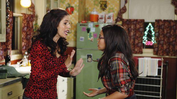 Unabhängig voneinander machen Hilda (Ana Ortiz, l.) und Betty (America Ferrer...