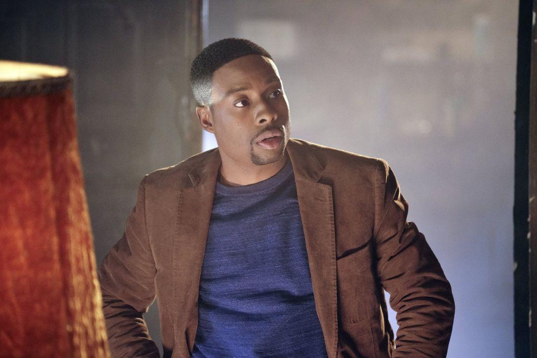 Um den Mord an einer Kollegin des Drogendezernats aufzuklären, ermittelt Carter (Justin Hires) Undercover an der elitären Capwell-Academy ... - Bildquelle: Warner Brothers