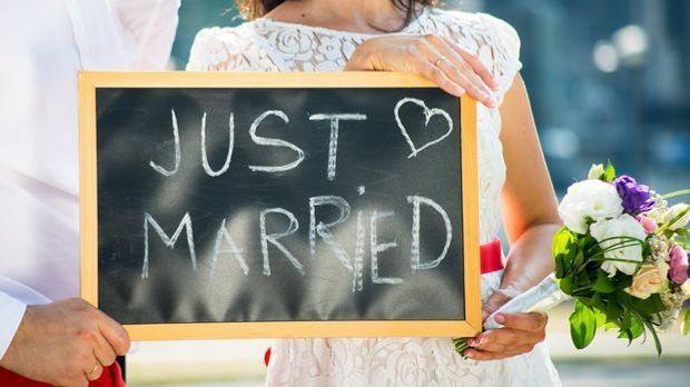 Vor der Hochzeit sind jede Menge Dinge zu organisieren und zu erledigen – nac...