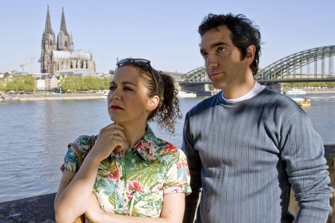 Ein Spaziergang am Rhein kann nicht nur wahnsinnig romantisch sein, sondern man kann dabei auch noch so viele Dinge für sich neu entdecken. Wahnsin... - Bildquelle: Sat.1