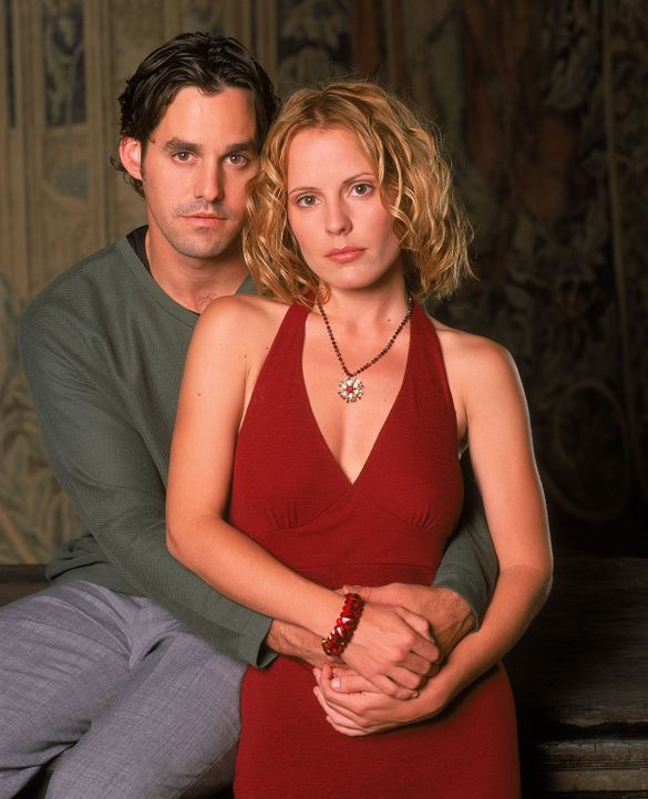 (5. Staffel) - Hat ihre Liebe eine Chance? Anya (Emma Caulfield, r.) und Xander (Nicholas Brendon, l.) - Bildquelle: 2000-2001 Twentieth Century Fox Film Corporation. All rights reserved.