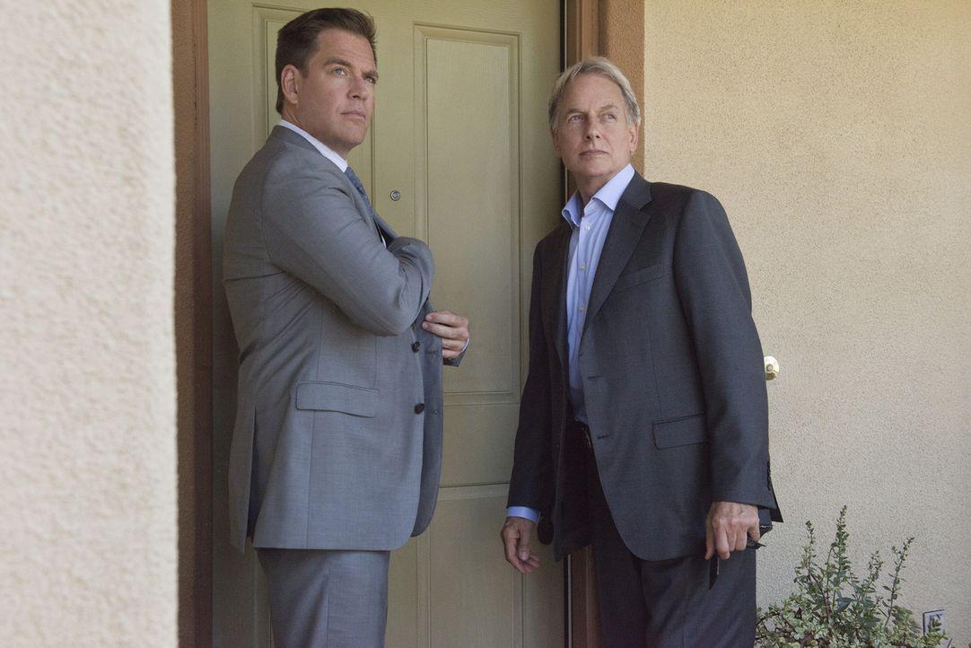 Ein neuer Fall wartet auf DiNozzo (Michael Weatherly, l.) und Gibbs (Mark Harmon, r.) ... - Bildquelle: Colleen Hayes CBS Television
