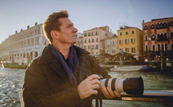 Paradiese gestern und heute - Bill Weir reist nach Italien und watet durch di...