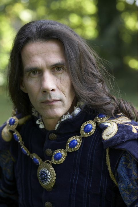 Kann nicht fassen, dass König Henry und Ambassador Bishop Chapuys ein Bündnis geschlossen haben: Ambassador Charles de Marillac (Lothaire Bluteau)... - Bildquelle: 2010 TM Productions Limited/PA Tudors Inc. An Ireland-Canada Co-Production. All Rights Reserved.