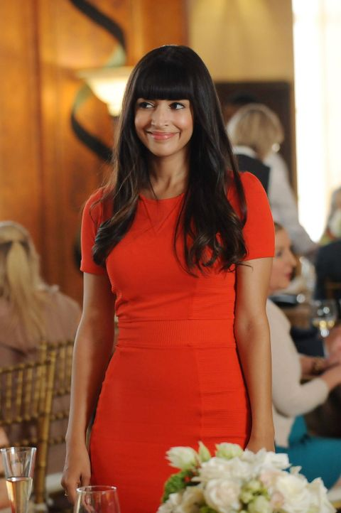 Beteiligt sich auch Cece (Hannah Simone) an dem sonderbaren Pakt der Clique? - Bildquelle: 2014 Twentieth Century Fox Film Corporation. All rights reserved.
