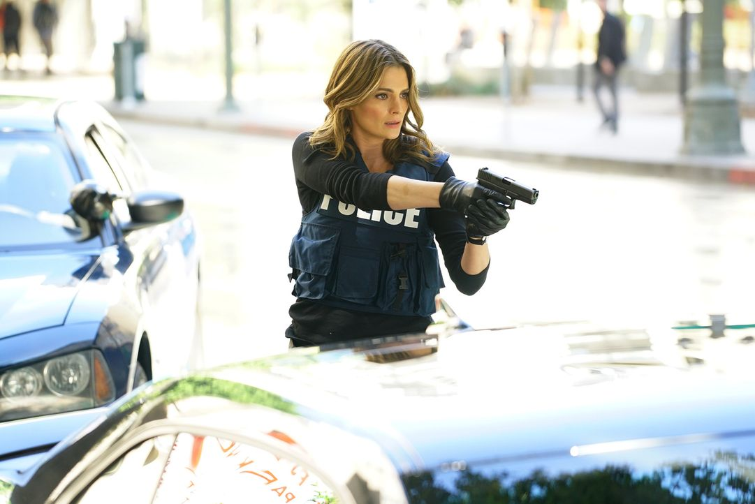 Das Mordopfer ist ein bekannter Anwalt von Unfallopfern, wie Kate (Stana Katic) erkennt. Bei der Festnahme eines Verdächtigen wird es brenzlig ... - Bildquelle: Richard Cartwright ABC Studios
