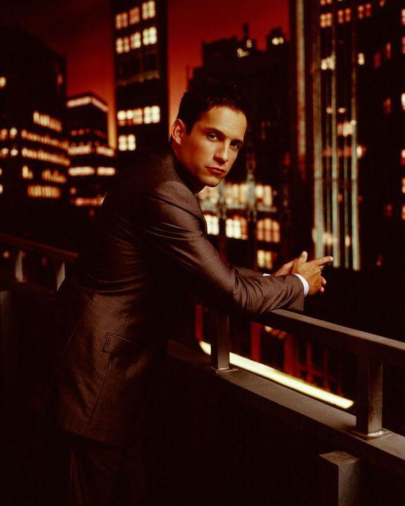 (2. Staffel) - FBI-Agent Danny Taylor (Enrique Murciano) konzentriert seine ganze Kraft in die Suche der Vermissten ... - Bildquelle: Warner Bros. Entertainment Inc.