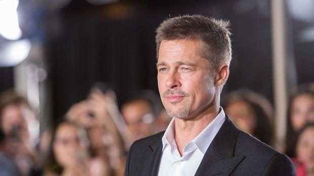 Max Vatan, gespielt von Brad Pitt, ist während des Zweiten Weltkriegs als Nac...
