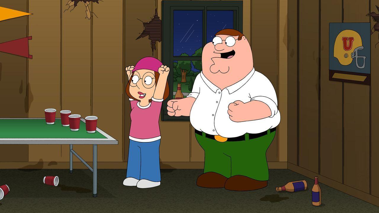 Da Meg (l.) aufs College will, fährt Peter (r.) sie zu einem Vorstellungsgespräch. Anders als erwartet, verstehen Peter und Meg sich blendend und bl... - Bildquelle: 2014 Twentieth Century Fox Film Corporation. All rights reserved.