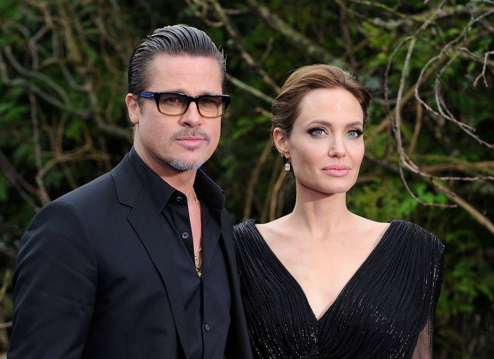 Angelina Jolie und Brad Pitt - Bildquelle: dpa