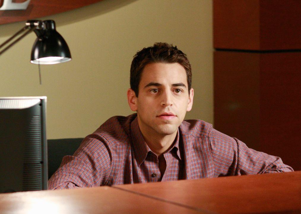 Schock für Lynette: Eric (Robert Sudduth) und seine Kollegen haben eine Abschiedsparty für sie arrangiert .... - Bildquelle: ABC Studios