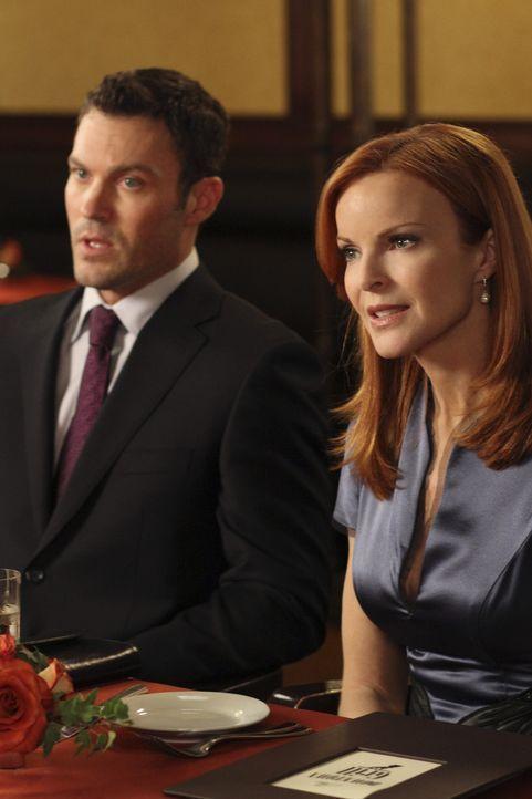 Während Gabrielle mutig versucht Carmen und Grace vor der Abschiebung zu schützen, wird der romantische Abend von Bree (Marcia Cross, r.) und Keith... - Bildquelle: ABC Studios