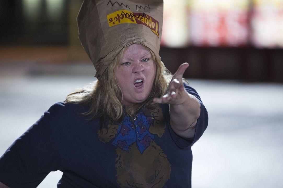 Tammy (Melissa McCarthy) steht am Rande des Wahnsinns: Sie hat weder Geld, noch einen Job und zu allem Überfluss betrügt ihr Ehemann sie. Also besch... - Bildquelle: Warner Bros. Television