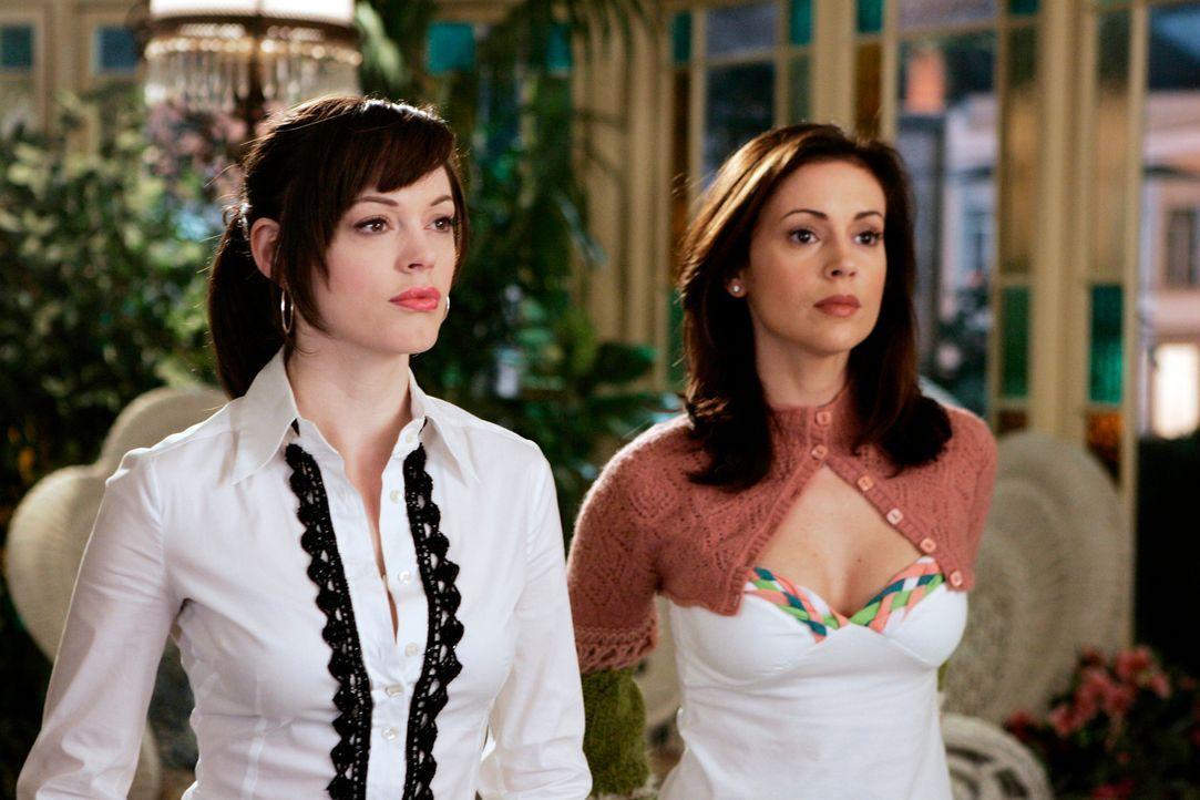Sam, der Wächter des Lichts, hat ein Problem und bittet Paige (Rosa McGowan, l.), Piper und Phoebe (Alyssa Milano, r.) um Hilfe ... - Bildquelle: Paramount Pictures