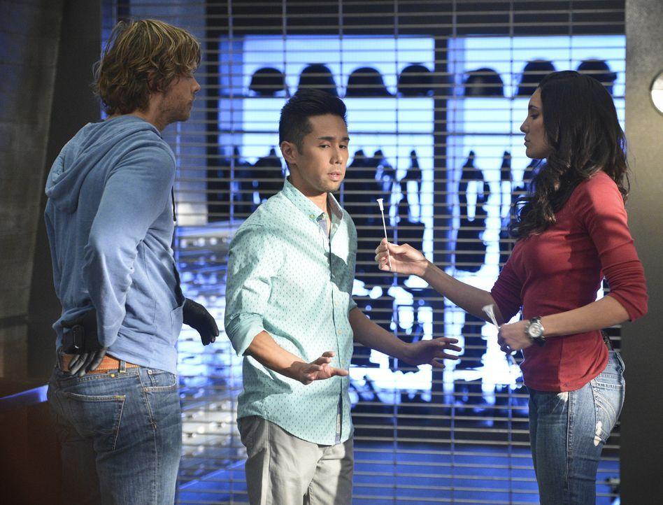Nachdem Granger vom Maulwurf vergiftet wurde, ordnet Hetty einen Lockdown an, um alle zu untersuchen: Kensi (Daniela Ruah, r.), Deeks (Eric Christia... - Bildquelle: CBS Studios Inc. All Rights Reserved.