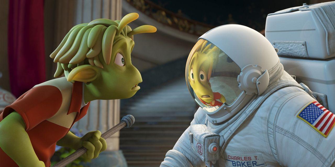 Der kleine grüne Lem (l.), Bewohner des Planeten 51, traut seinen Augen nicht, als ausgerechnet in seinem Garten ein Raumschiff mit einem menschlich... - Bildquelle: 2009 Columbia TriStar Marketing Group, Inc.  All Rights Reserved.