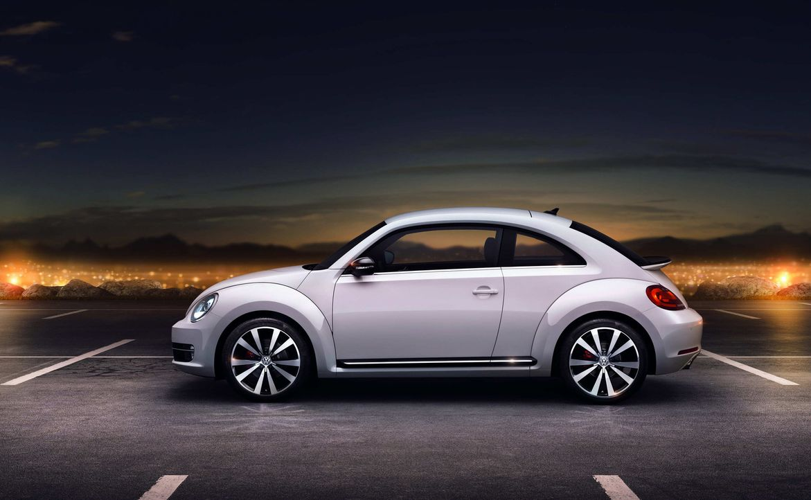 Der VW Käfer ist Kult und der sprichwörtliche Volkswagen: 21,5 Millionen Exemplare wurden weltweit gebaut. Diesen Kult wollte VW 1998 mit dem New... - Bildquelle: kabel eins