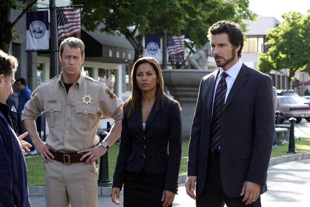 Unbesiegbar?: Jack Carter (Colin Ferguson, l.), Allison Blake (Salli Richardson-Whitfield, M.) und Nathan Stark (Ed Quinn, r.) ... - Bildquelle: Universal Television
