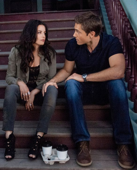 Zu gern würde Freya (Jenna Dewan-Tatum, l.) ihrem Verlobten Dash (Eric Winter, r.) alles über sich und ihre wahre Identität erzählen ... - Bildquelle: 2013 Twentieth Century Fox Film Corporation. All rights reserved.