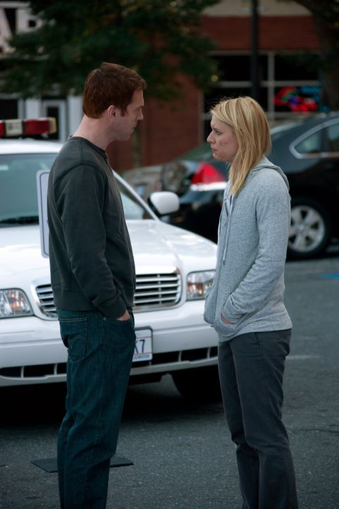 Endgültig Schluss! Um sein Geheimnis wahren zu können, muss sich Brody (Damian Lewis, l.) Carrie (Claire Danes, r.) vom Leib halten ... - Bildquelle: 20th Century Fox International Television