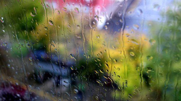 Glas-Regen-Tropfen-pixabay
