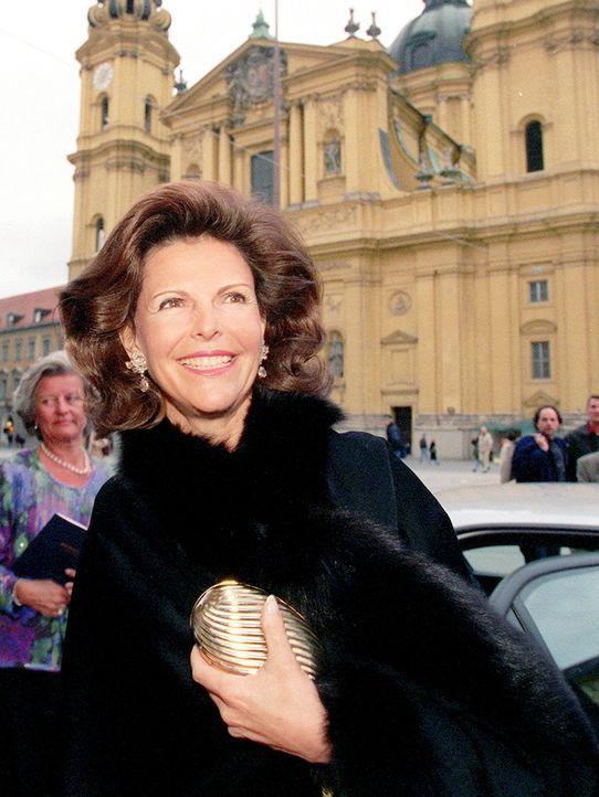 Koenigin-Silvia-von-Schweden-1999-05-15-dpa - Bildquelle: dpa