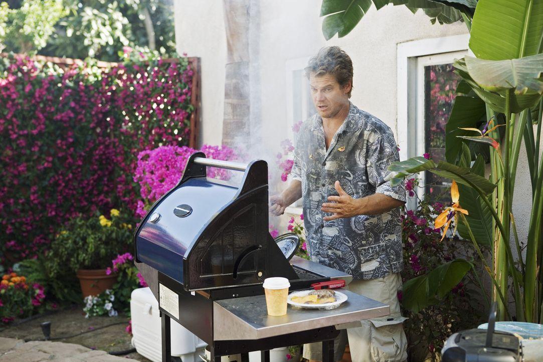 Da Jules die Wette unbedingt gewinnen möchte, schickt sie Bobby (Brian Van Holt) wieder nach Hause, der bei ihr ein Barbecue plant ... - Bildquelle: 2009 ABC INC.