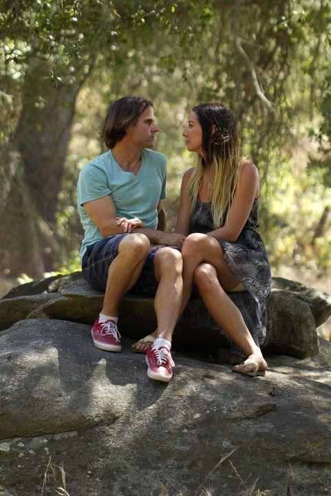 Seitdem bekannt ist, dass Rachel (r.) nach San Diego ziehen will, ist Michael (l.) bewusst, dass er mit ihr über ihre Beziehung sprechen muss. Zu we... - Bildquelle: Showtime Networks Inc. All rights reserved.