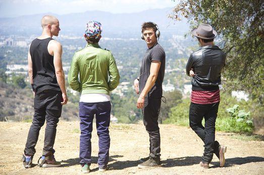 Cole (Zac Efron, 2.v.r.) und seine Bros Mason (Jonny Weston, l.), Ollie (Shil...