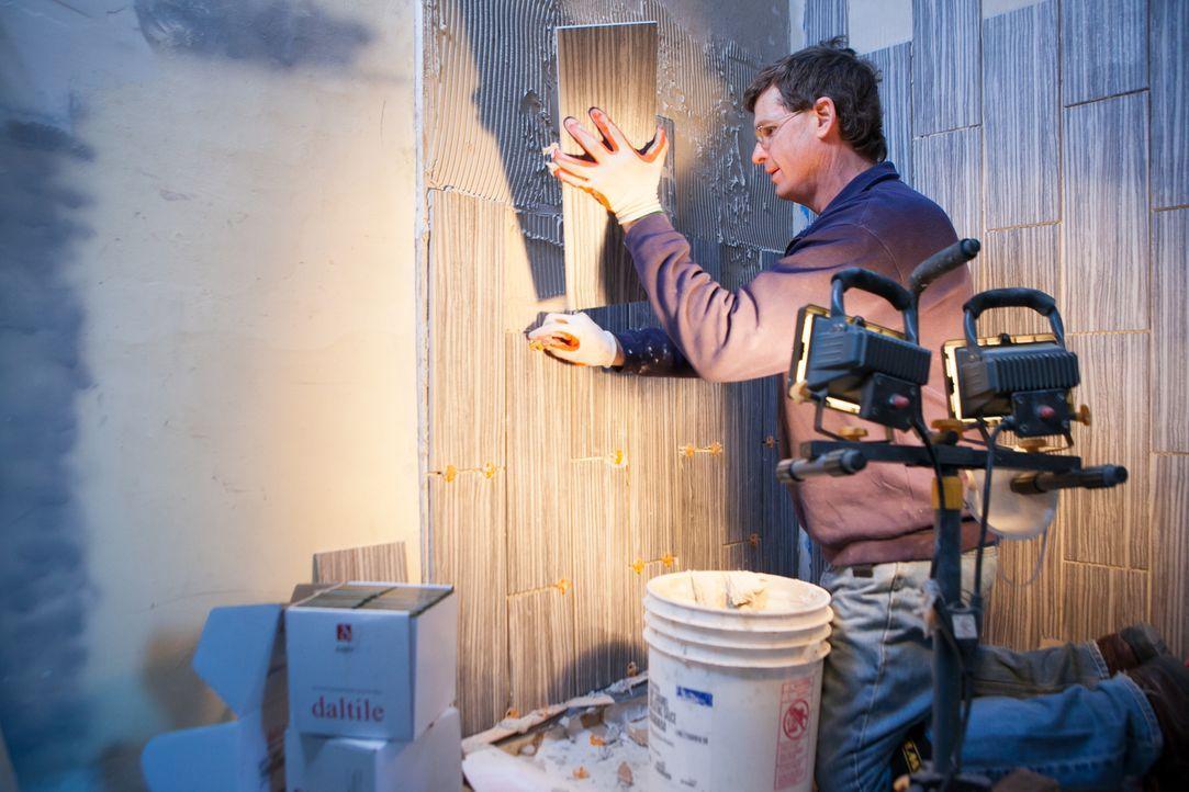 Abbys Vater, Marty, muss einspringen, denn als Bauunternehmer ist er der Einzige, der wirklich weiß, was es heißt, ein Haus zu renovieren ... - Bildquelle: 2013, DIY Network's/Scripps Network's, LLC.