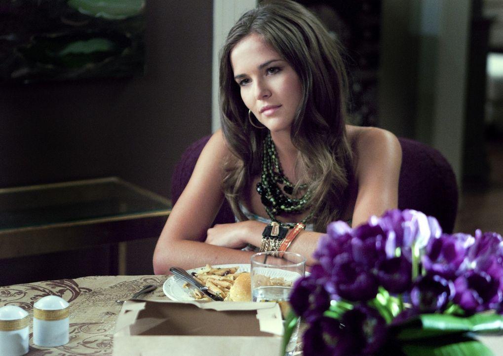 Wird sich Juliet (Zoey Deutch) ihrem Drogenproblem stellen und eine Entziehungskur machen? - Bildquelle: 2011 THE CW NETWORK, LLC. ALL RIGHTS RESERVED