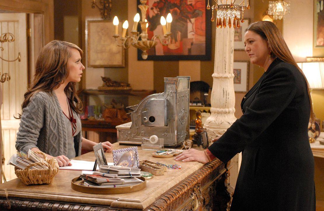 Als Melinda (Jennifer Love Hewitt, l.) ihrer Freundin Delia (Camryn Manheim, r.) von ihrer Gabe erzählt, reagiert diese mit völligem Unverständnis.... - Bildquelle: ABC Studios