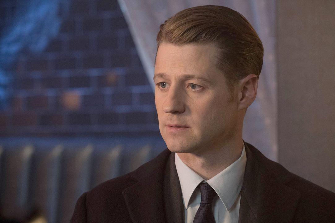 Während Edward Nygma weiterhin seine Eroberung der Stadt durchführt, sucht Gordon (Ben McKenzie) weiter nach Antworten ... - Bildquelle: Warner Brothers