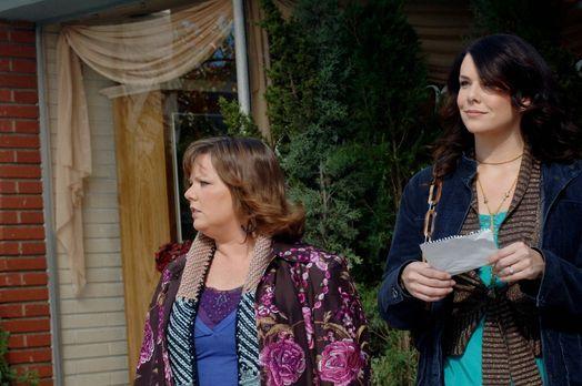 Sookie (Melissa McCarthy, l.) und Lorelai (Laurem Graham, r.) gehen endlich d...